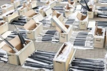 Customs intercepts 1,100 rifles from Turkey