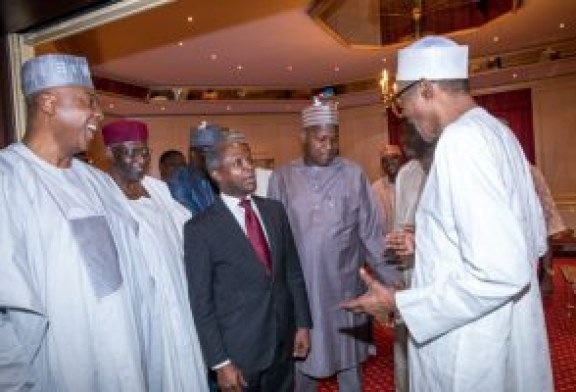 Buhari apologises to lawmakers over cancelled dinner