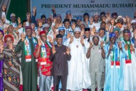 Buhari hands over Campaign Council to Tinubu